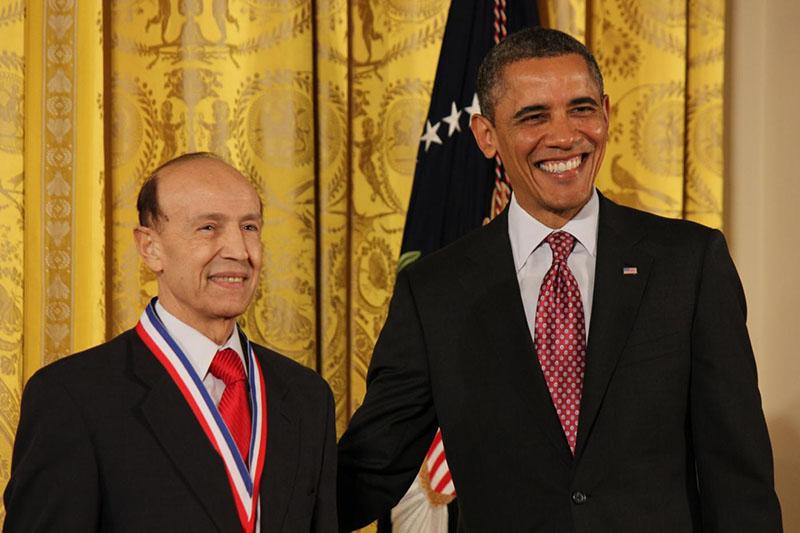 دکتر غلامعلی پیمان، عضو تالار مشاهیر چشمپزشکی و مخترع جراحی لیزیک