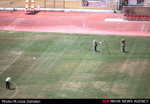 کمانه : بازرسی ورزش پیگیر دلیل رنگ آمیزی چمن حافظیه/ فردوسیپور حق توهین ندارد