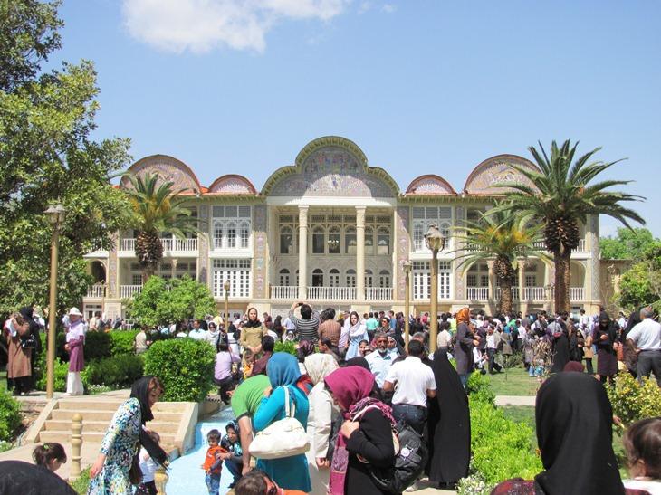 مراکز تاریخی و فرهنگی شیراز باید به میراث فرهنگی تحویل داده شود