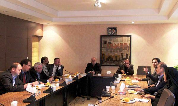 نشست سرمایه گذاران اوکراینی برای مشارکت در ساخت راه آهن شیراز- اهواز