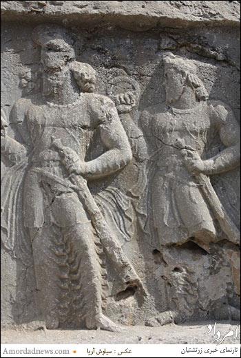 شاهنشاه ساسانی و جانشین آن که به گمان بسیار بهرام سوم است.