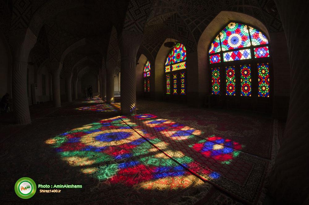 شاهکار رنگ و نور در مسجد نصیرالملک