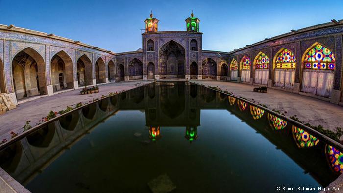 مسجد نصیرالملک ( مسجد صورتی )