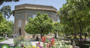 جلوه های اردیبهشت دل انگیز شیراز در باغ نظر