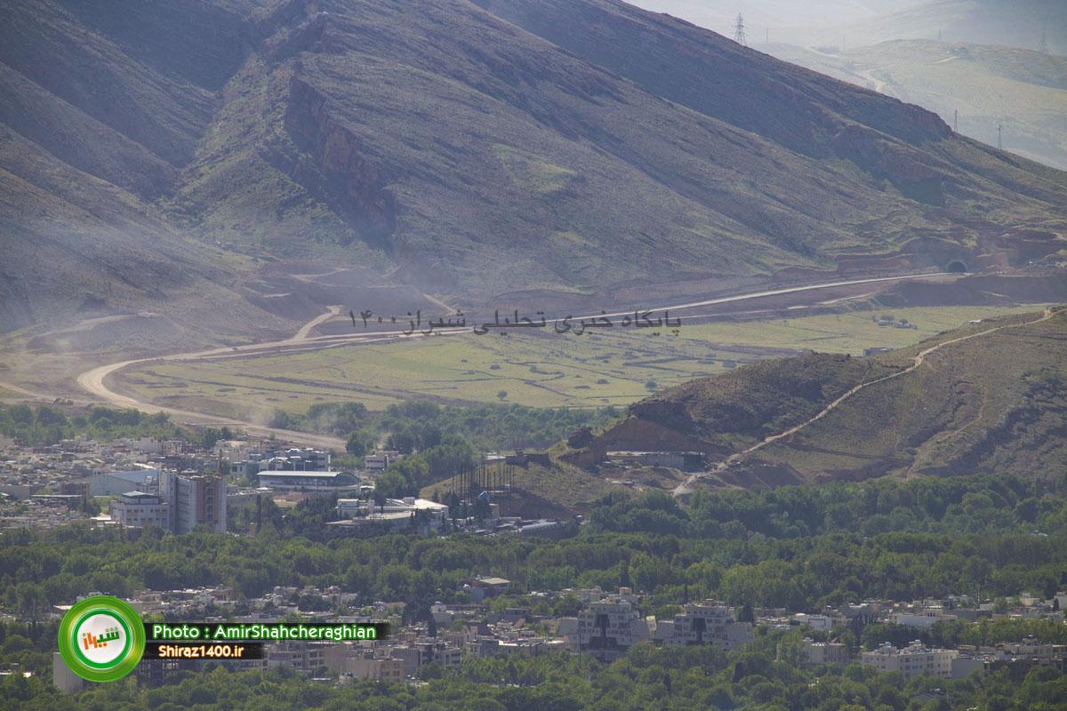بزرگراه و تونل کوهسار