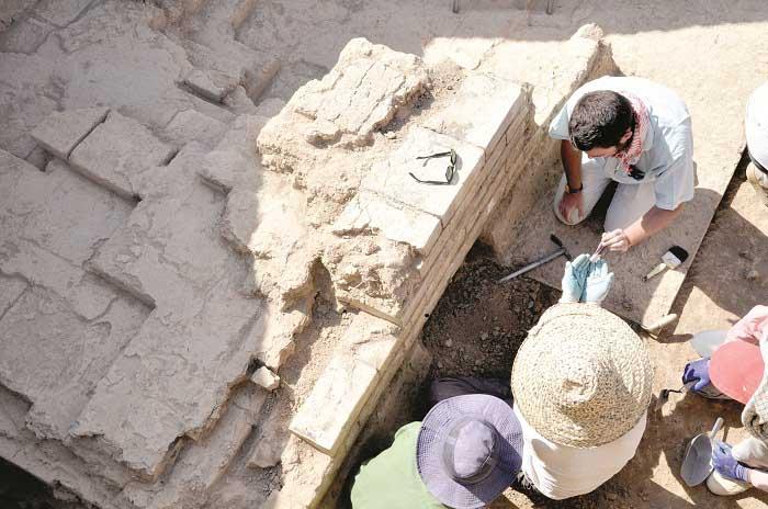 کشف ۴ کتیبه به زبان بابلی در نزدیکی تخت جمشید