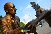 گزارش تصویری : مجسمه مرد کهنسال و پسر نوجوان