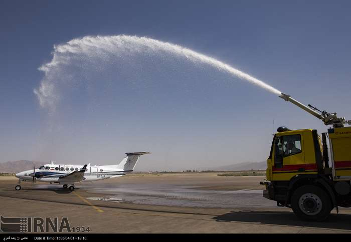 گزارش تصویری: ورود هواپیمای ویژه کنترل تجهیزات ناوبری به فرودگاه شیراز