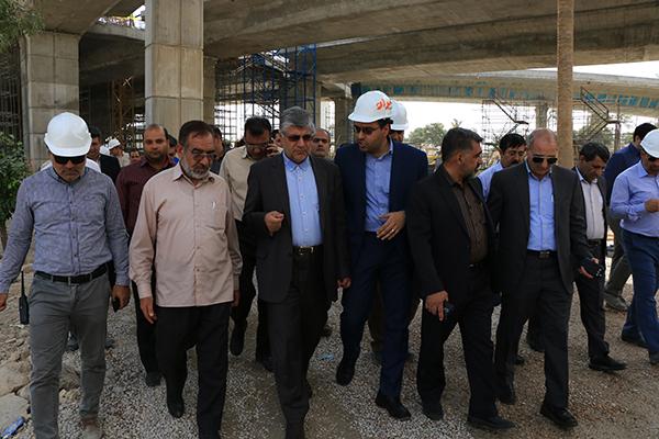 بازدید شهردار شیراز از پل کابلی ولیعصر