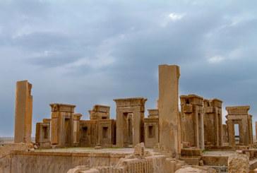 کشف سنگهای تاریخی سرقت شده تخت جمشید