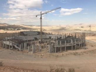 سالن ۶ هزار نفری شیراز ۵ سال پس از کلنگ زنی!