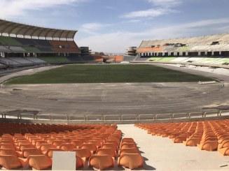 گزارش تصویری : سبز شدن چمن استادیوم پارس شیراز