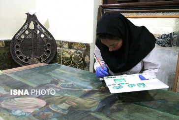 مرمت سه تابلوی نقاشی موجود در موزه پارس شیراز