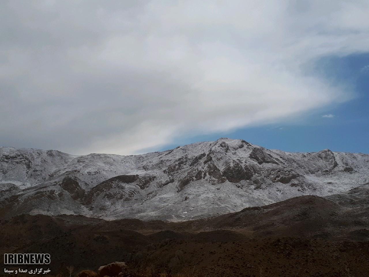 بارش برف پاییزی در فارس + عکس