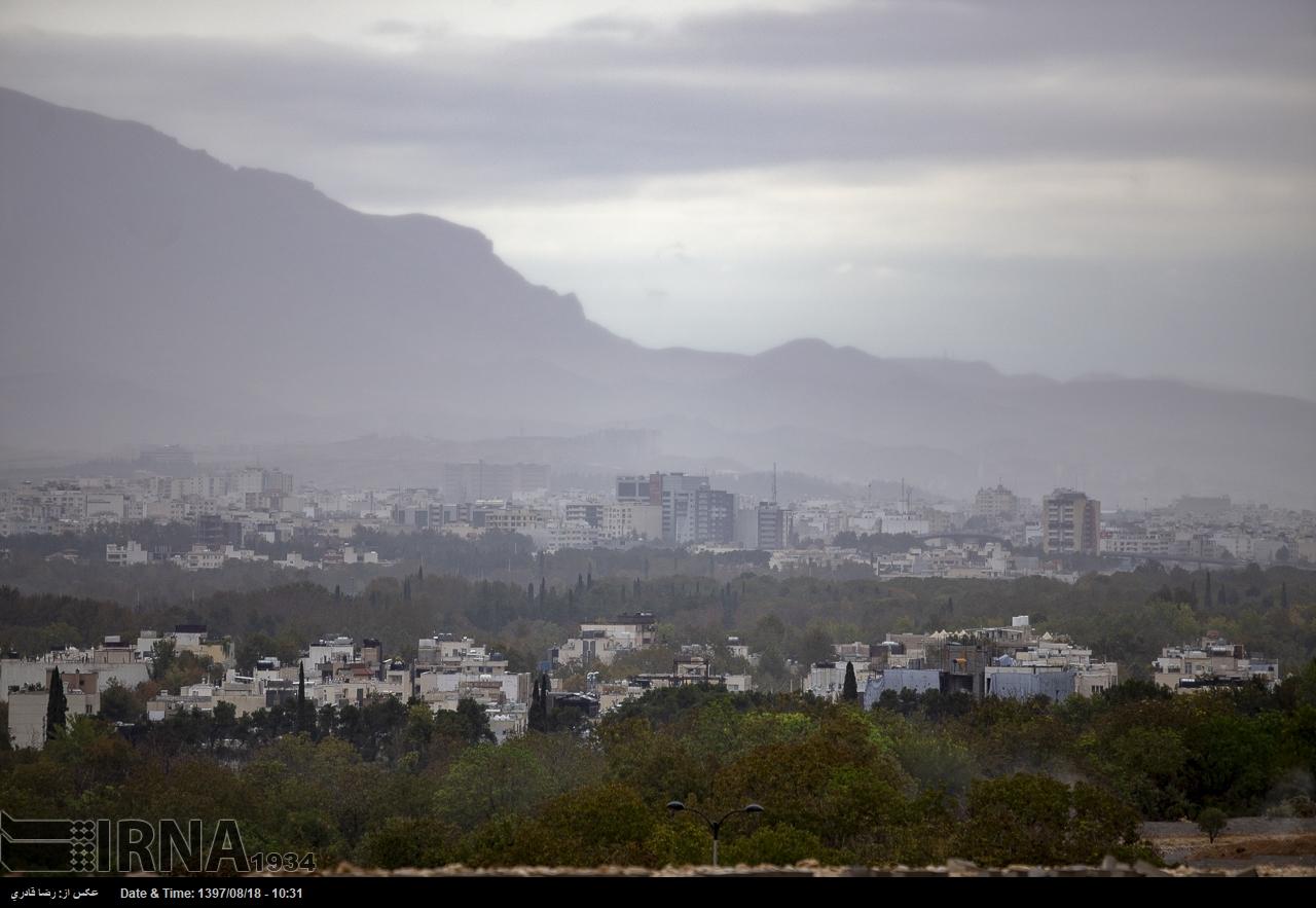 گزارش تصویری : شیراز در یک روز بارانی پاییز