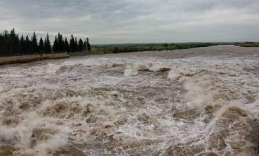 خروش رودخانههای فارس به لطف باران