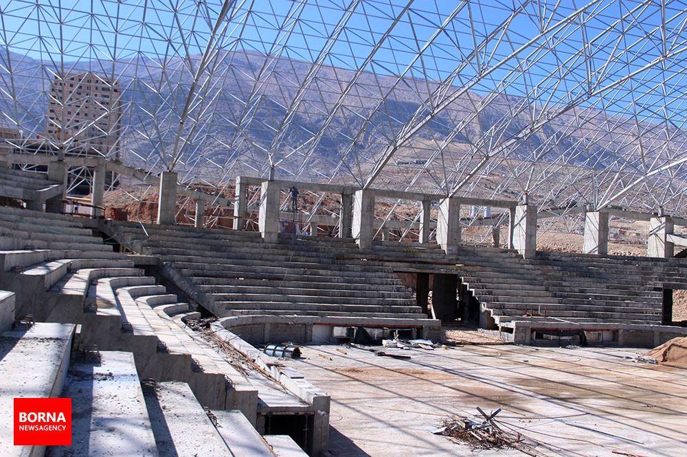 گزارش تصویری : افتتاح ورزشگاه شش هزار نفری به امسال نرسید!