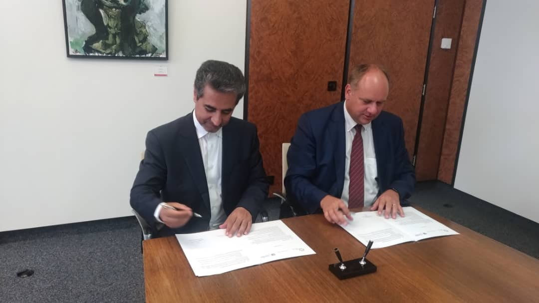 تفاهم نامه همکاری طراحی و ساخت تراموای شیراز امضا شد