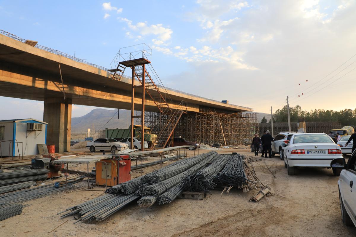 تلاش برای افتتاح پروژه های عمرانی کلانشهر شیراز در دهه فجر