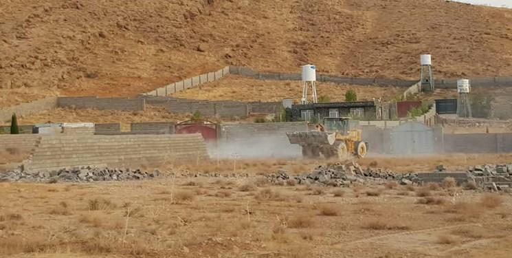 تخریب قاطعانه ۳۳۵ بنای غیرمجاز در قلات شیراز