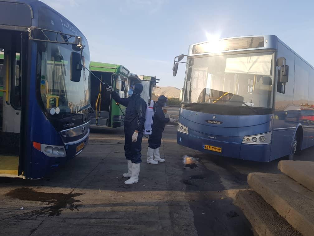 ضدعفونی اتوبوس های شهری شیراز به منظور پیشگیری از کرونا