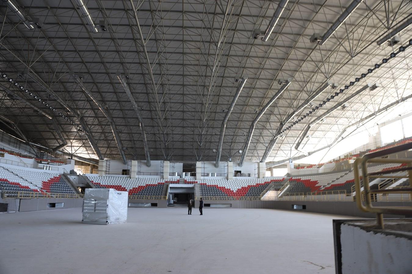 این بار وعده وعده تکمیل ورزشگاه شش هزار نفری شیراز در سال آینده!