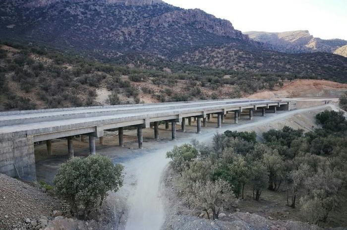 ویدئو: پل ها و تبادل های آزادراه اصفهان شیراز