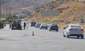 آغازعملیات ترمیم و روکش آسفالت مسیر دسترسی صدرا به شیراز از محور خلیج فارس