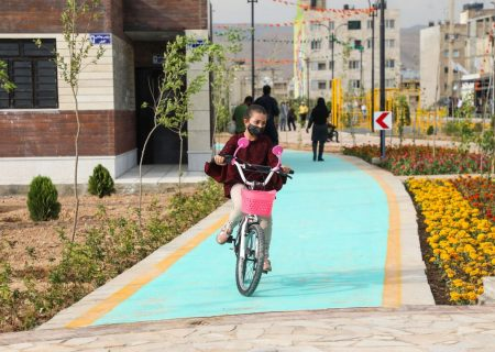عکس: پیاده راه و مسیر دوچرخه سواری بلوار احمد بن موسی